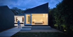 House in 2816 E 12th St Austin
